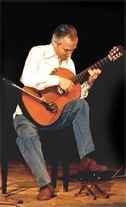 Classical Guitarist Improvising