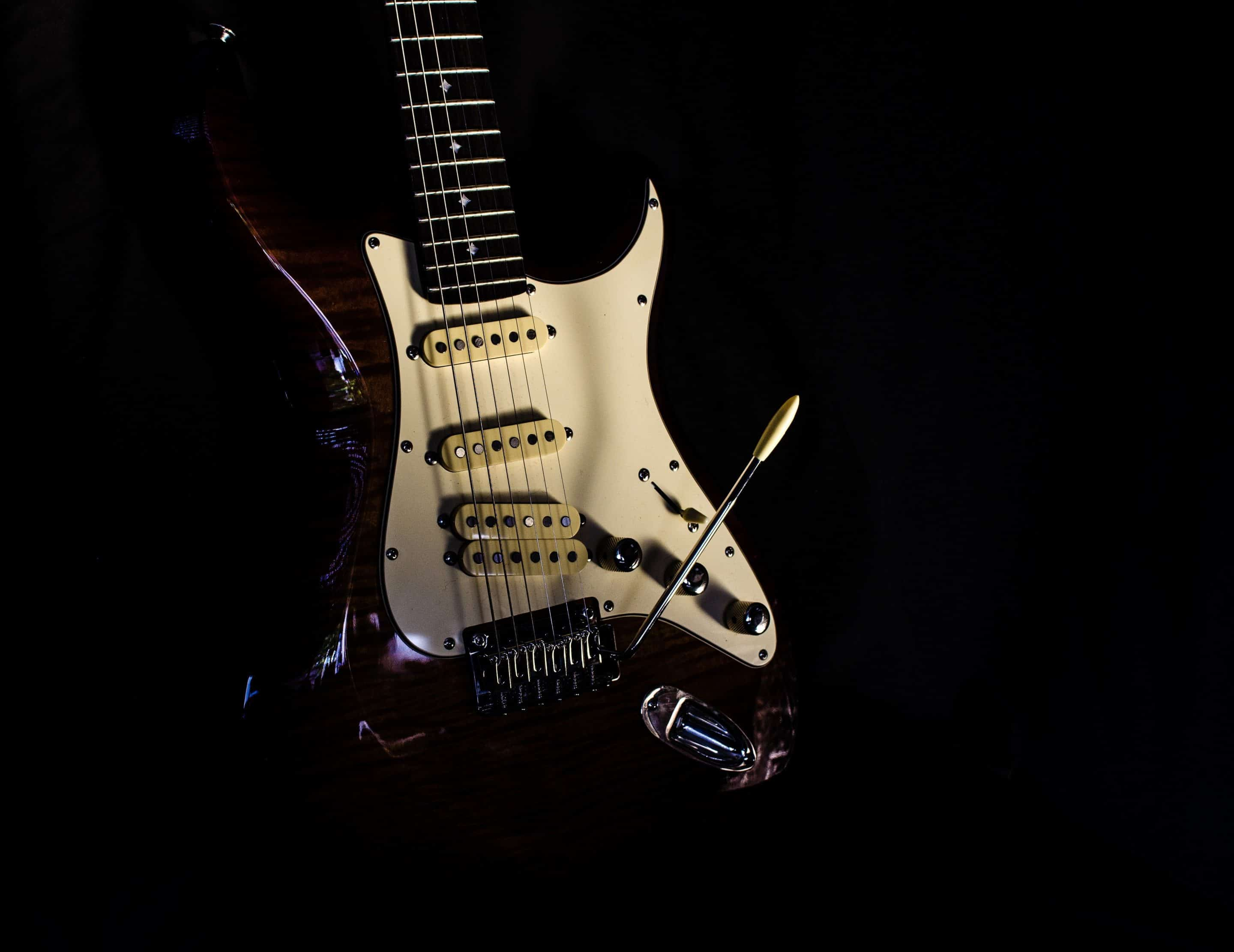How to learn electric guitar online